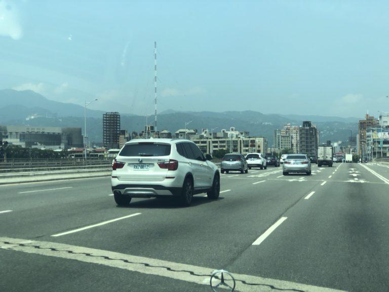 自宅から台南へ、車で尾行